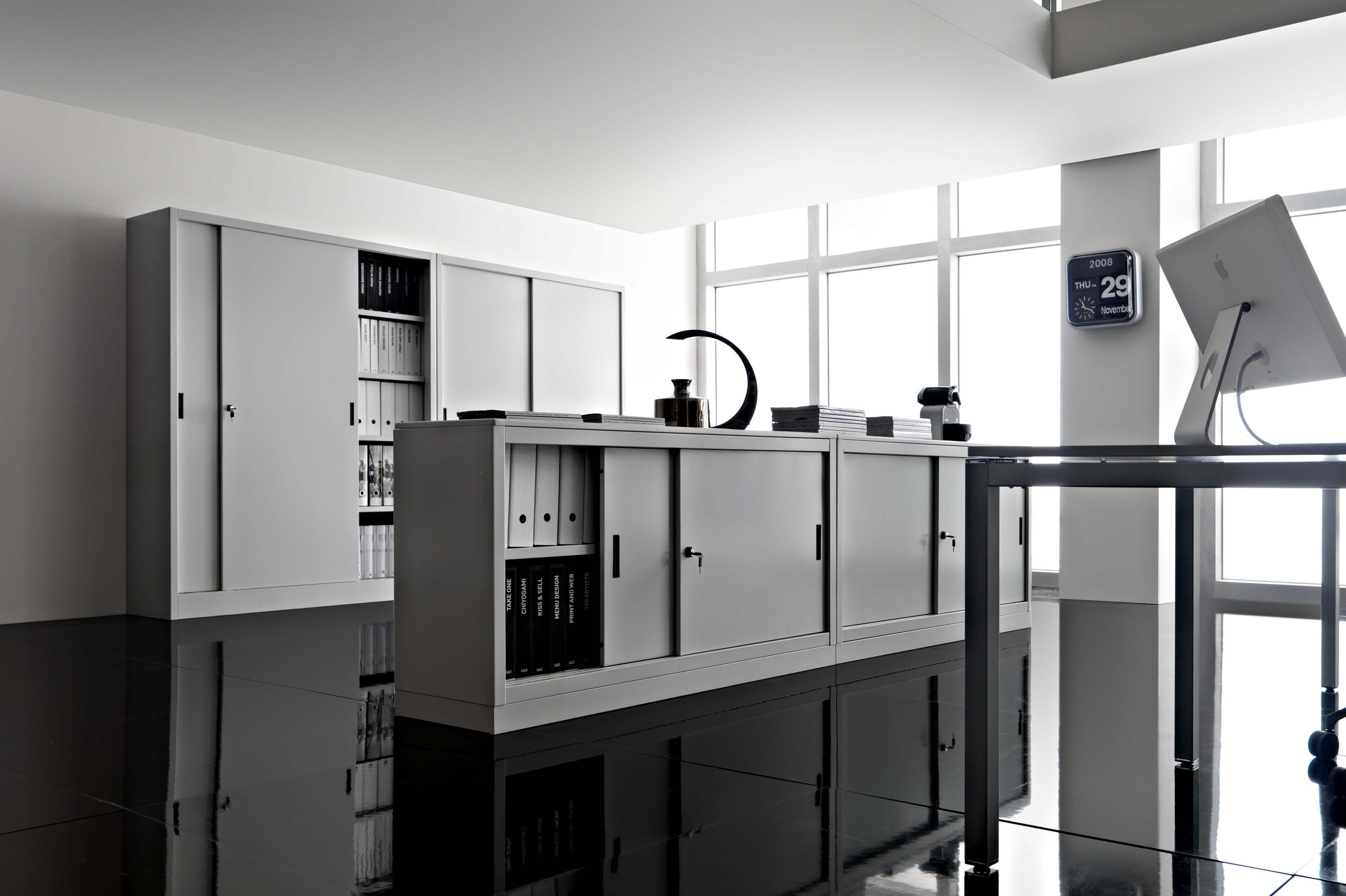 Arredi metallici donati alberto arredamenti e mobili for Arredi e mobili