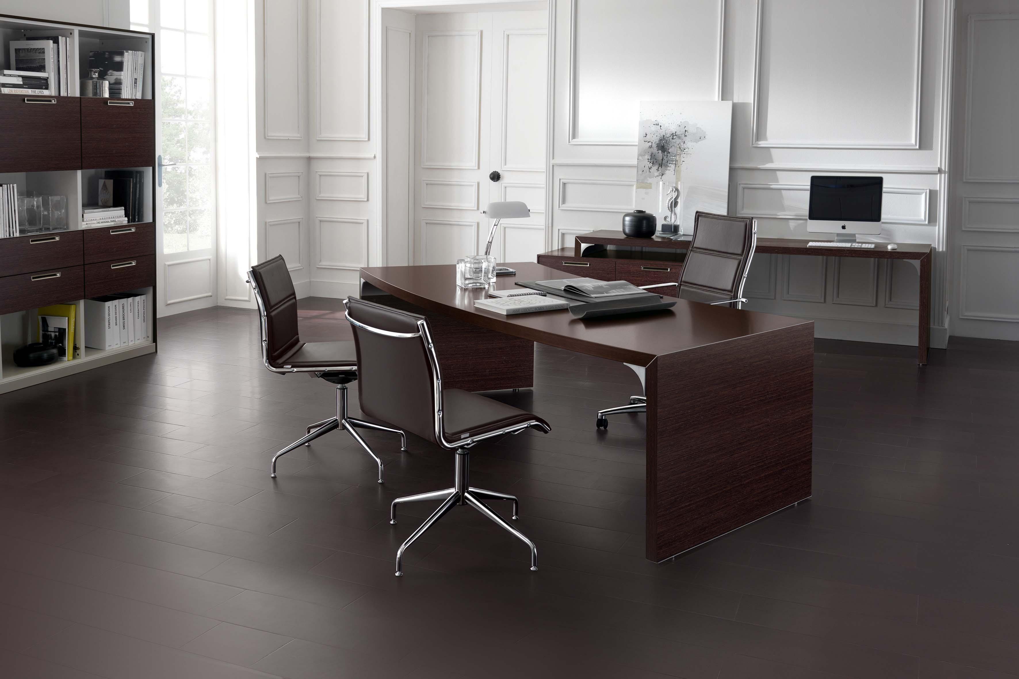 Scrivania direzionale mod with arredo ufficio moderno for Mobili da studio
